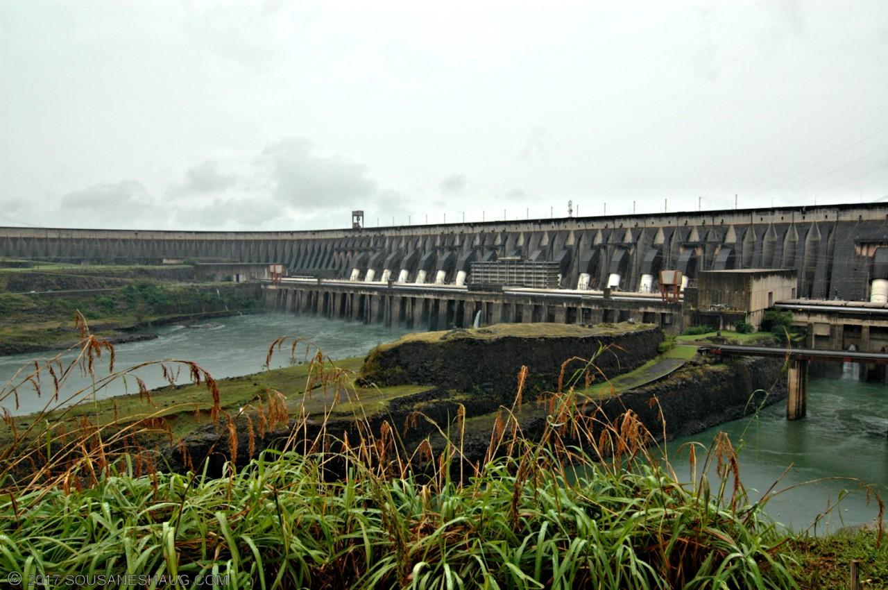 Itaipu Dam, Parana River, Paraguay/Brazil (Barragem de Itaipu, Rio Paraná, Paraguay/Brasil)