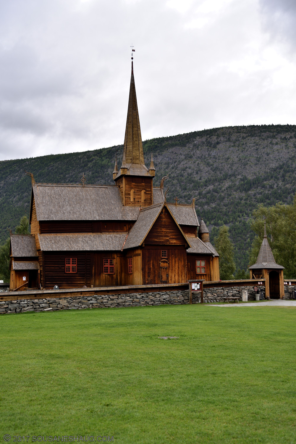 Lom-stavkirke-Norway-00098