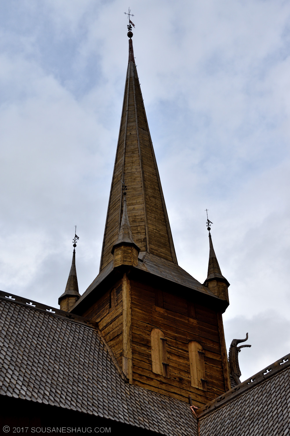 Lom-stavkirke-Norway-00100