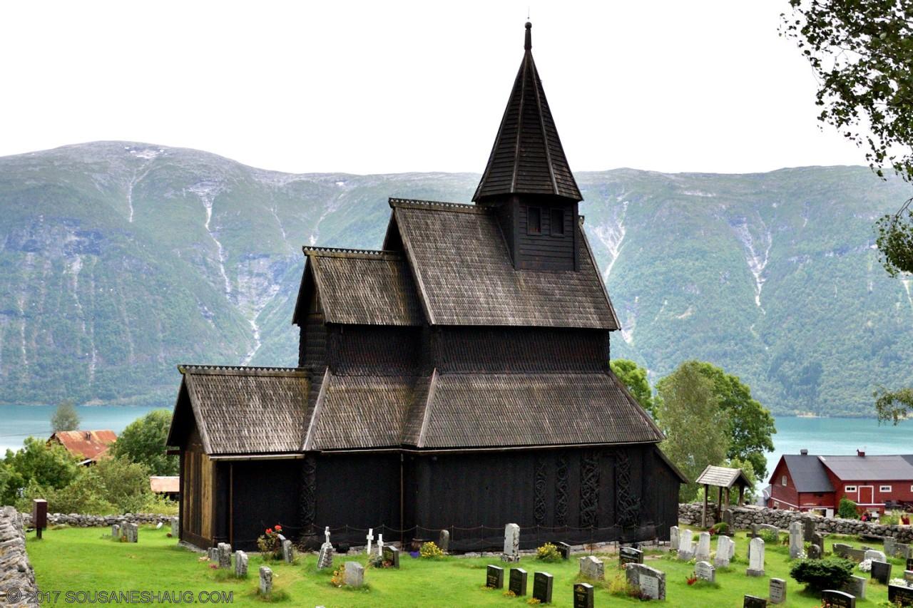Urnes-Stavkirke-Norway-00102