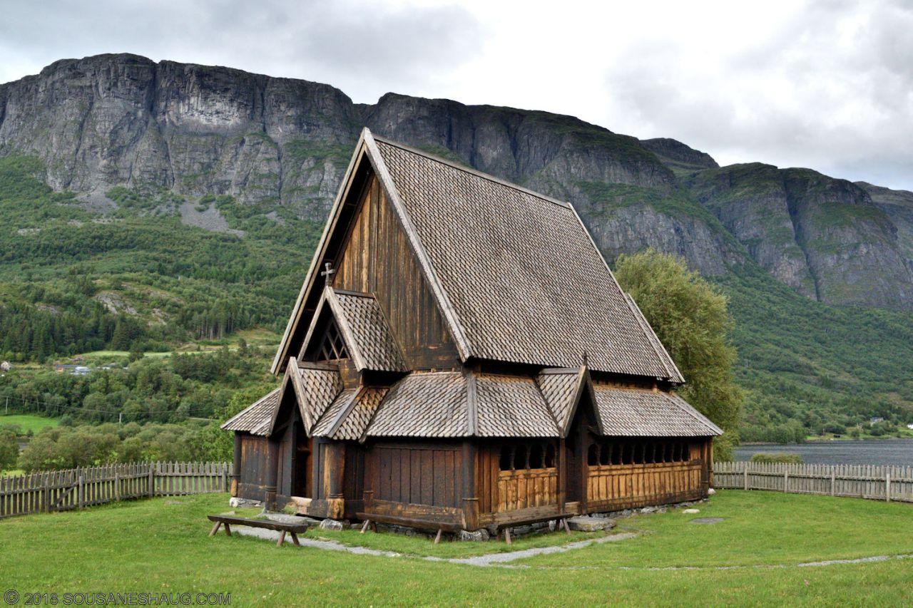 Øye Stavkirke (Stave Church), Norway