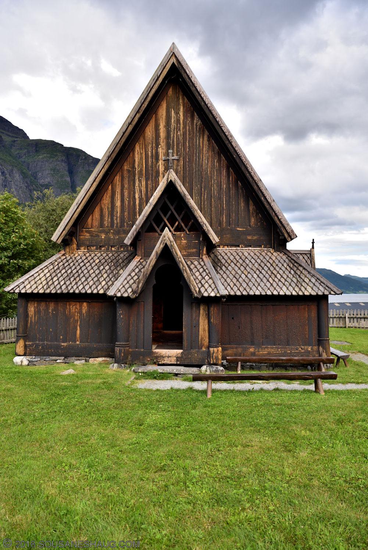 Øye-Stavkirke-0746