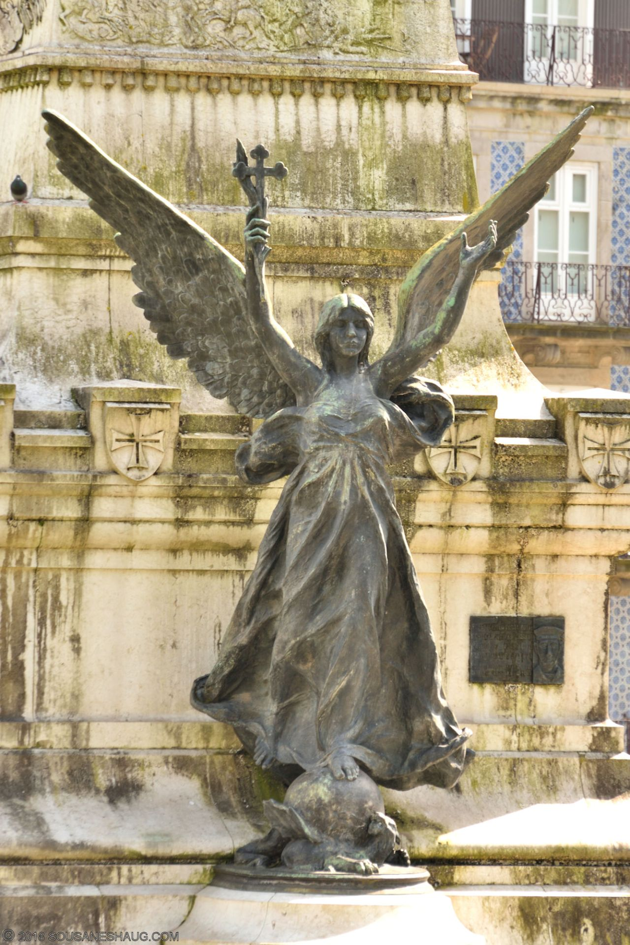 Statues-Porto-Portugal0099