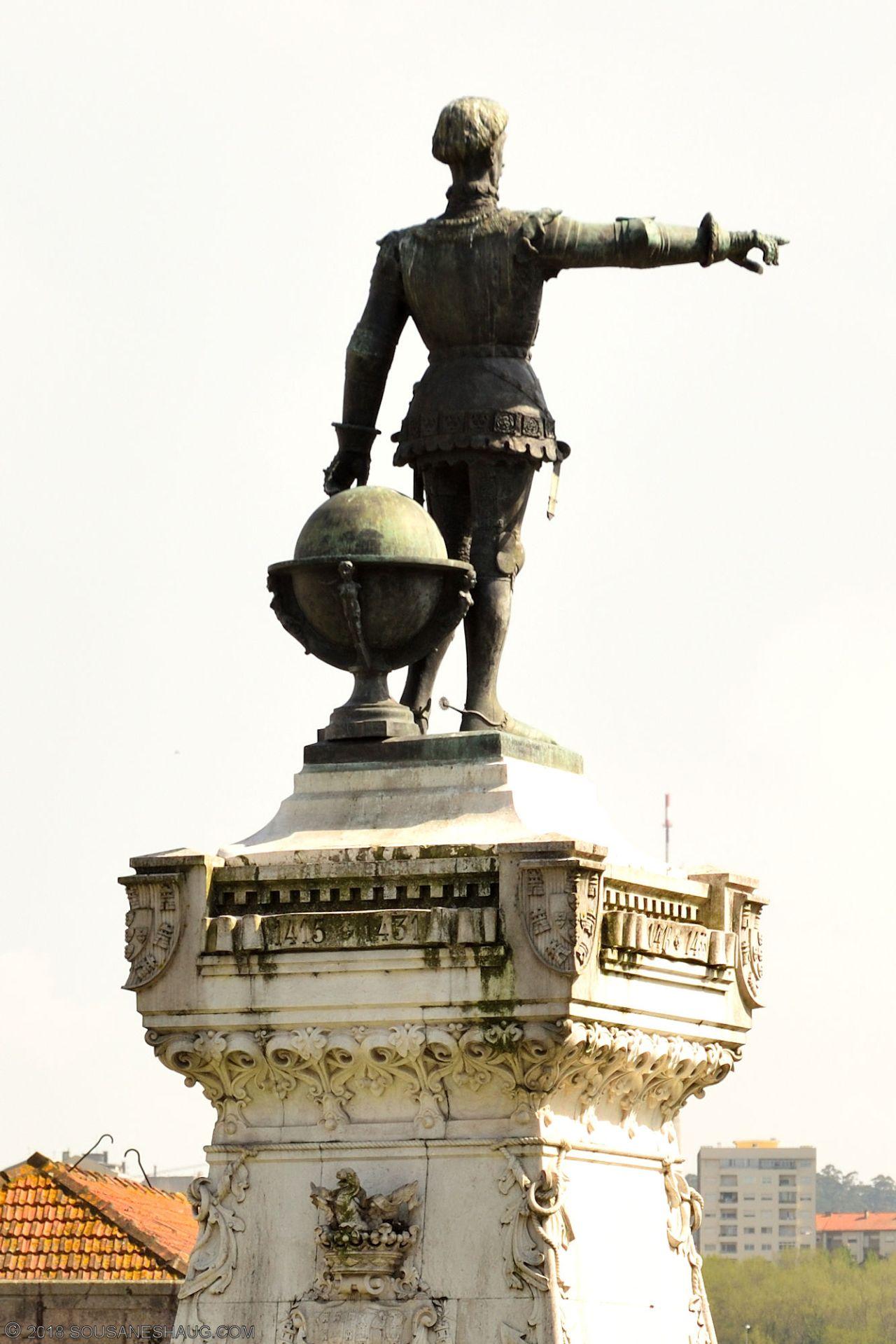 Statues-Porto-Portugal0100