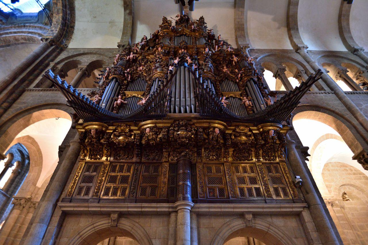 Santiago_de_compostela_cathedral_0404