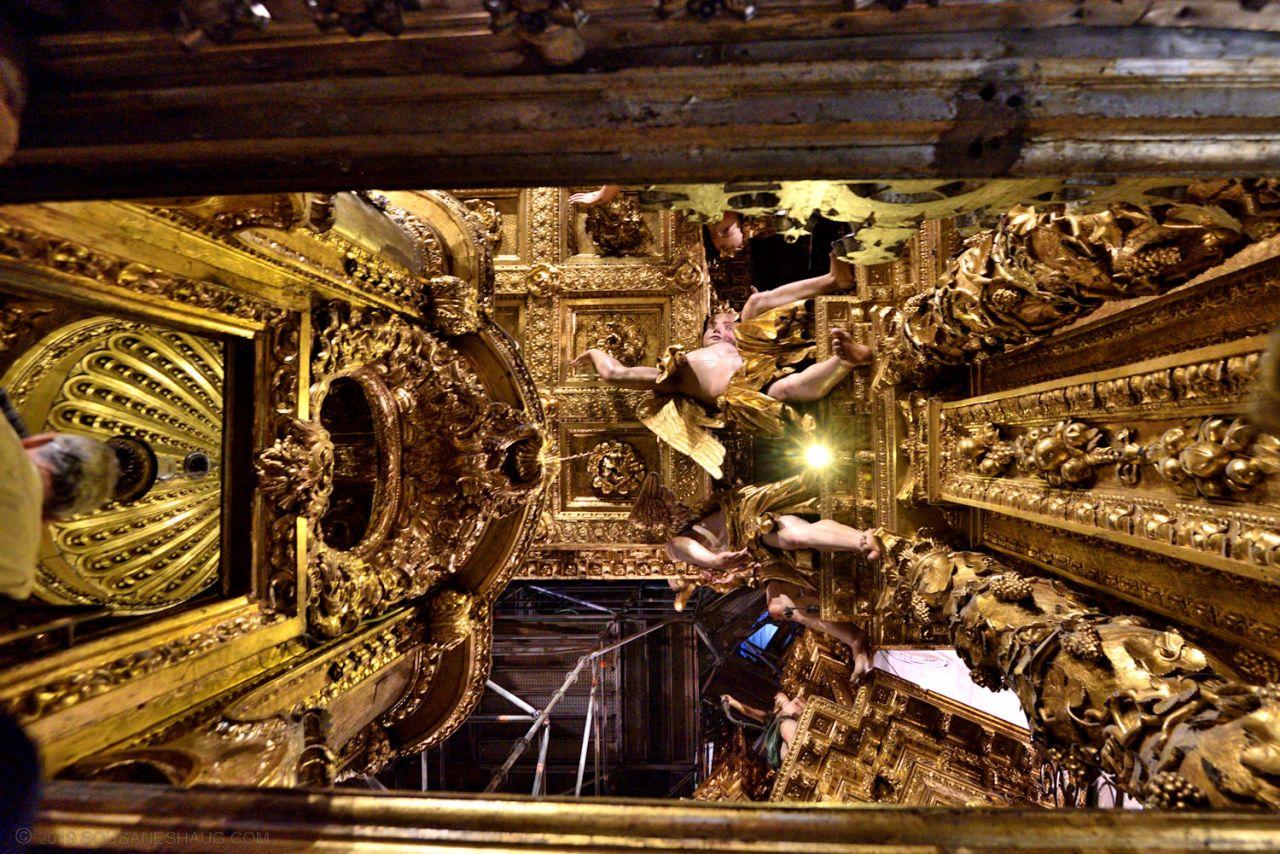 Santiago_de_compostela_cathedral_0410